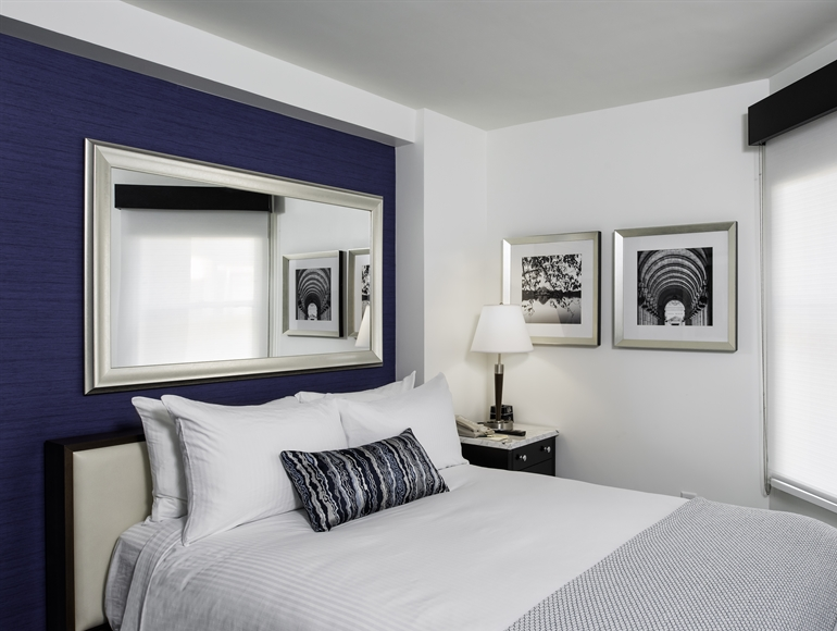 Queen Superior Guest Room